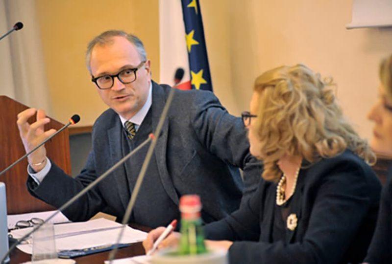Giovanni Anversa, moderatore dell'evento, e Edda Samory in un momento dell'evento